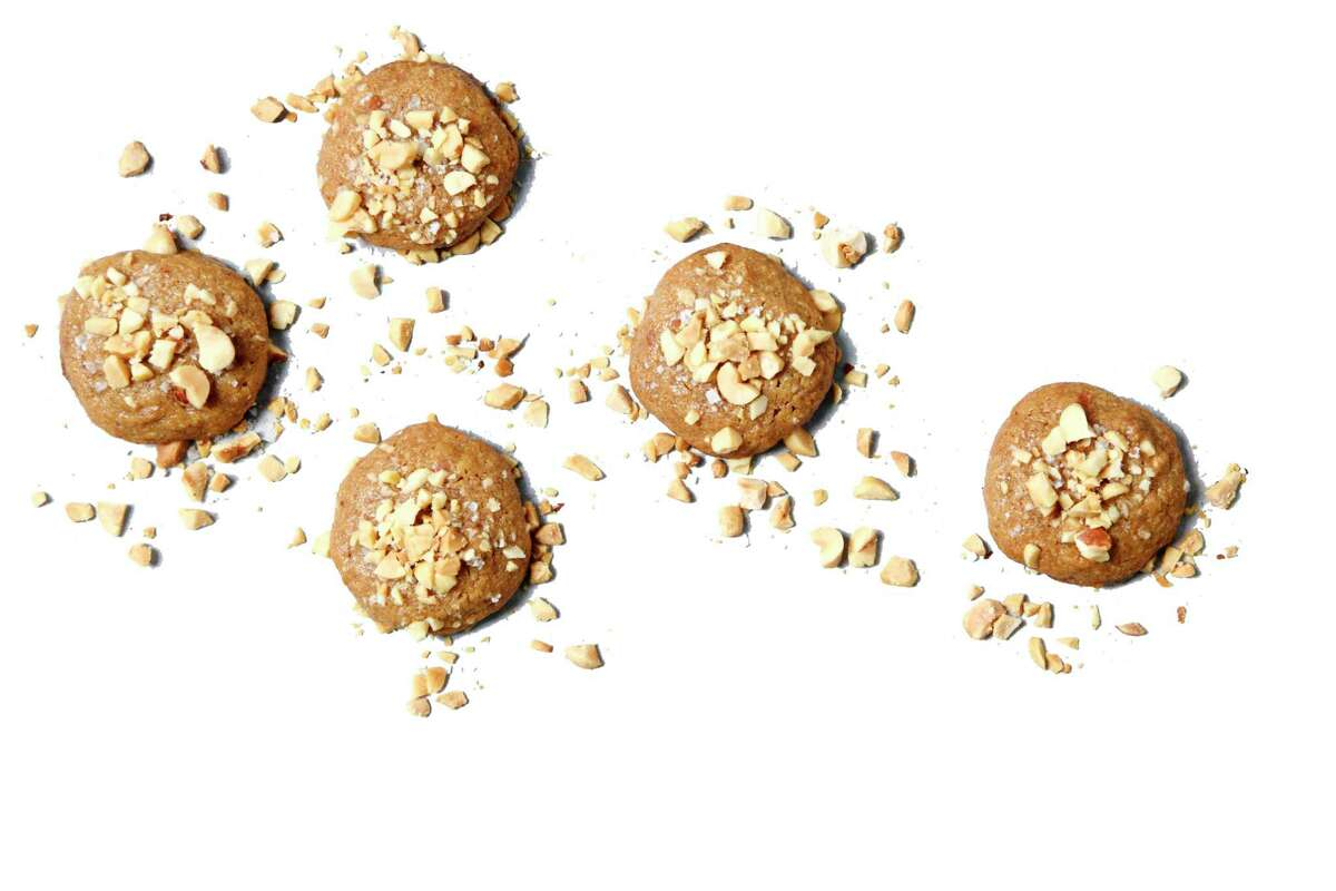 Salted Chunky Peanut Butter Cookies. (Mariah Tauger/Los Angeles Times/TNS)