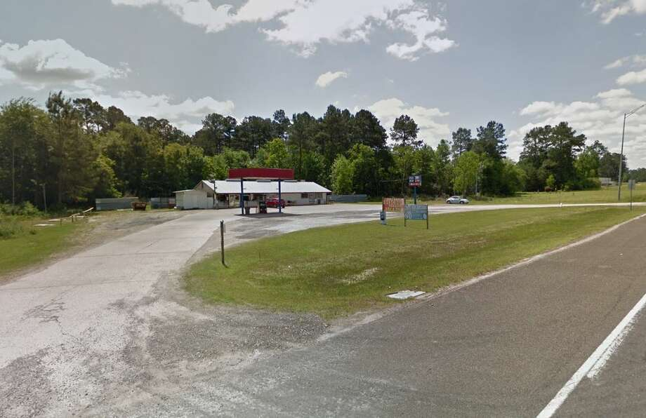 A Liberty County Sheriff's Office captain subdued a man attempting to rob him without weapons at Hull Drive Inn in the northern part of the county. Photo: Google Maps