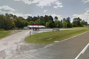 A Liberty County Sheriff's Office captain subdued a man attempting to rob him without weapons at Hull Drive Inn in the northern part of the county.