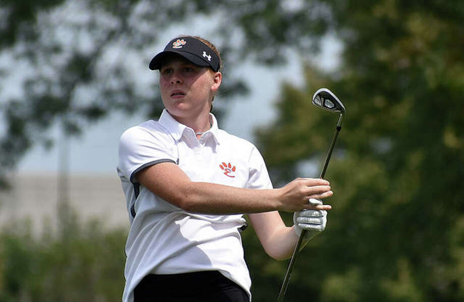 Edwardsville's Riley Lewis watches a tee shot during her sophomore season last fall. Photo: Matt Kamp|The Intelligencer