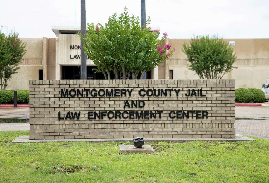 A brick sign stands outside of the Montgomery County Jail in Conroe, Thursday, June 25, 2020. Photo: Gustavo Huerta, Houston Chronicle / Staff Photographer / Houston Chronicle © 2020