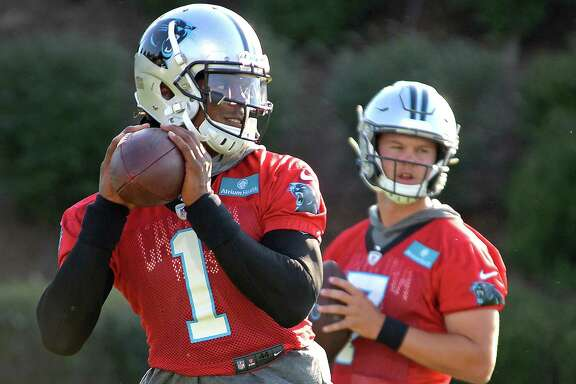 Former Carolina Panthers quarterback Cam Newton is signing a one-year deal with the New England Patriots.
