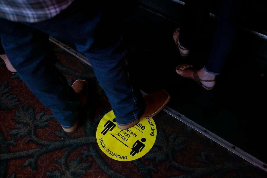 Bars in Sonoma County are open right now, even though they've been shut down in many other parts of California. Photo: Ramin Rahimian / Special To The Chronicle