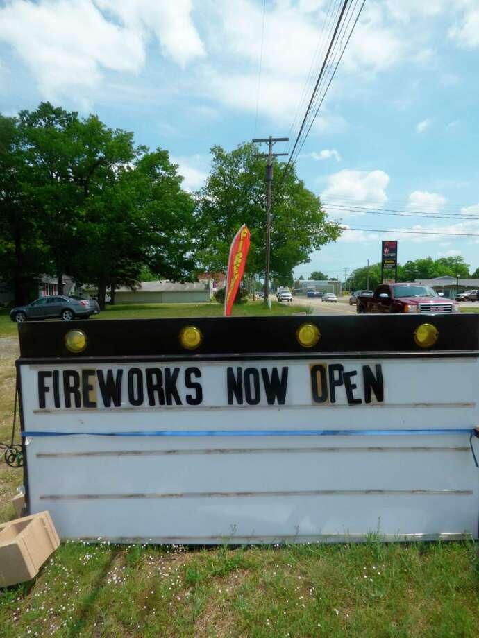 Il est désormais légal d'allumer des feux d'artifice dans la nuit du 4 juillet. (Scott Fraley / News Advocate)