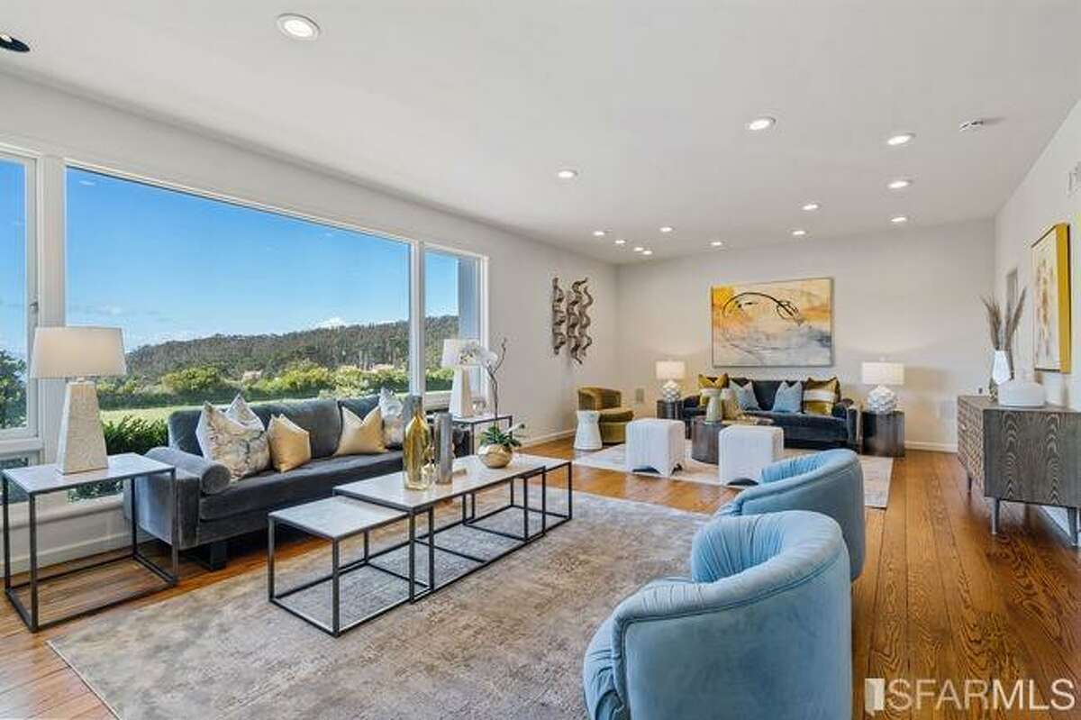 The huge living room right off the entry takes advantage of the unobstructed Presidio views.