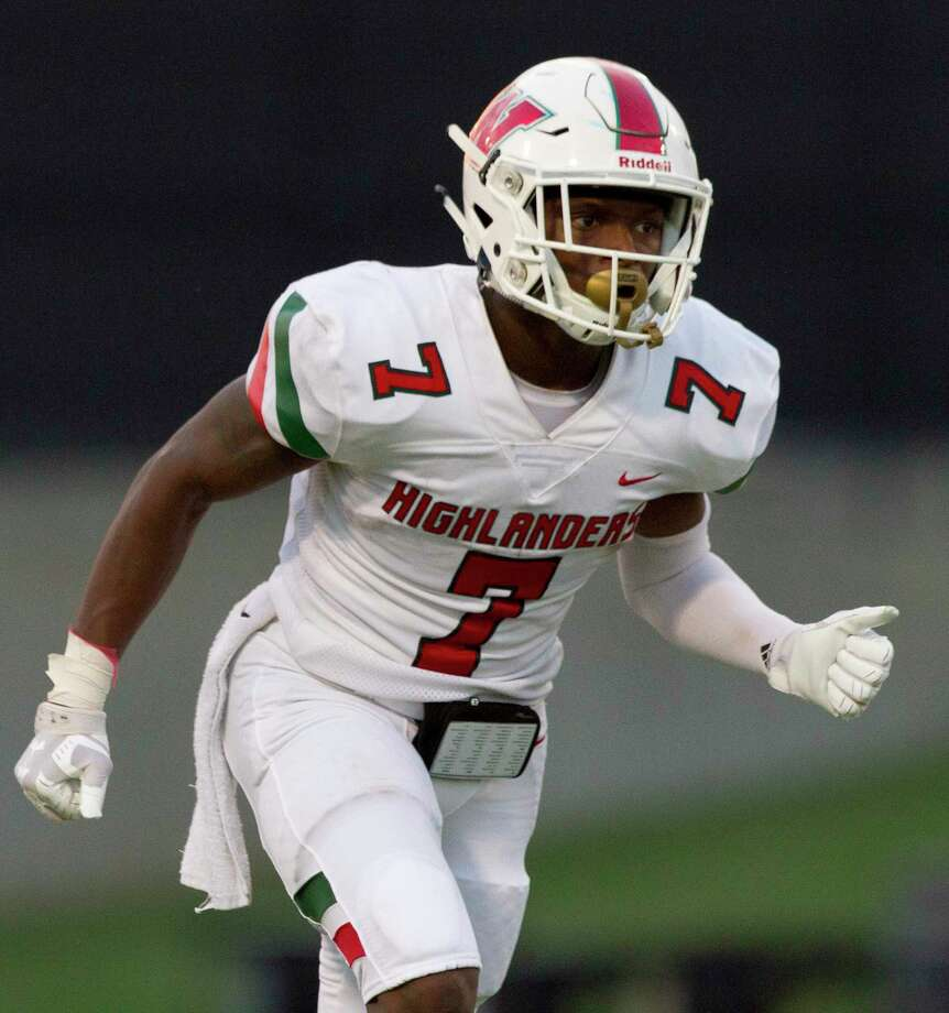 The Woodlands wide receiver Teddy Knox (7) runs a route during the first quarter of a District 15-6A high school football game at Buddy Moorhead Stadium, Friday, Sept. 13, 2019, in Conroe. Photo: Jason Fochtman, Houston Chronicle / Staff Photographer / Houston Chronicle
