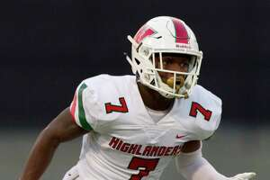 The Woodlands wide receiver Teddy Knox (7) runs a route during the first quarter of a District 15-6A high school football game at Buddy Moorhead Stadium, Friday, Sept. 13, 2019, in Conroe.