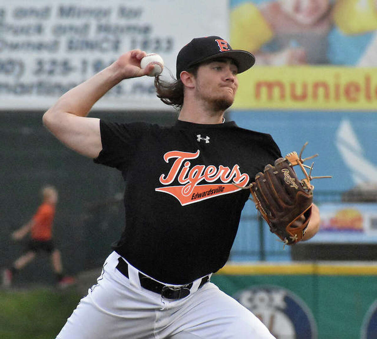 Edwardsville pitcher Collin Salter delivers a pitch in the first inning against Granite City on Monday at GCS Stadium in Sauget.