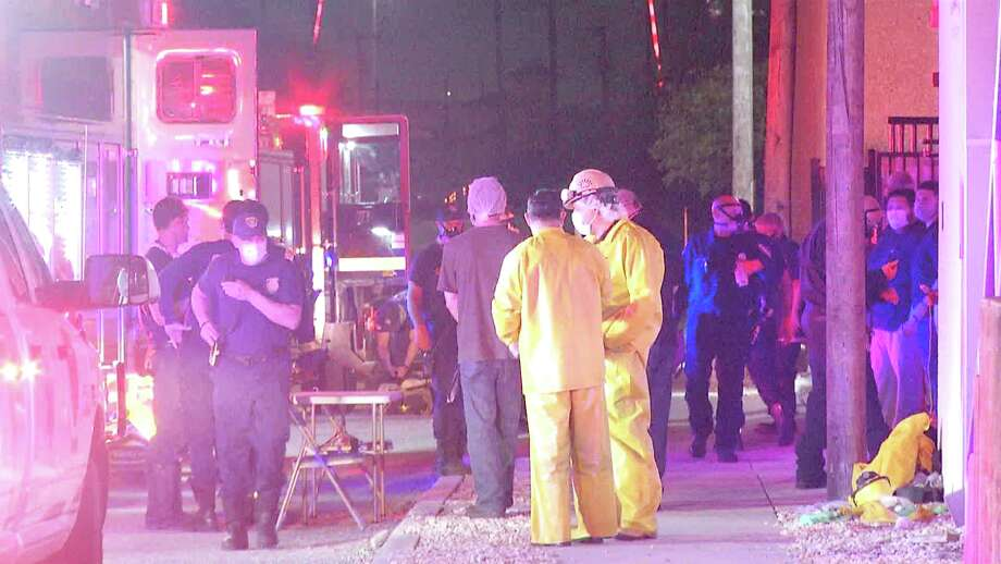 A leaking pipe caused the evacuation at a Southwest Side kielbasa meat factory late Monday night. Photo: Ken Branca