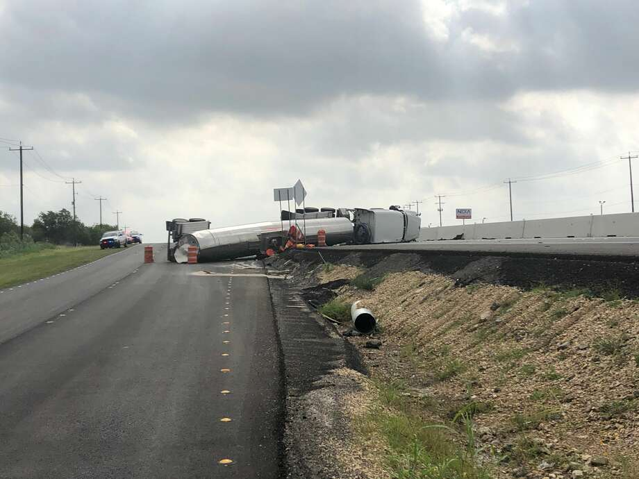 An overturned 18-wheeler has shut down several lanes of Interstate 10 near Graytown Road on Tuesday morning. Photo: San Antonio Police Department