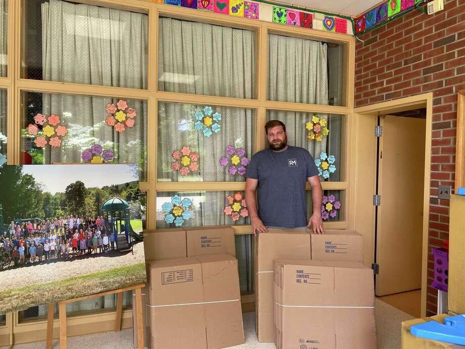 Ridgefield Moving founder Tom Tuohy during his visit at Scotland Elementary School. Photo: Contributed Photo