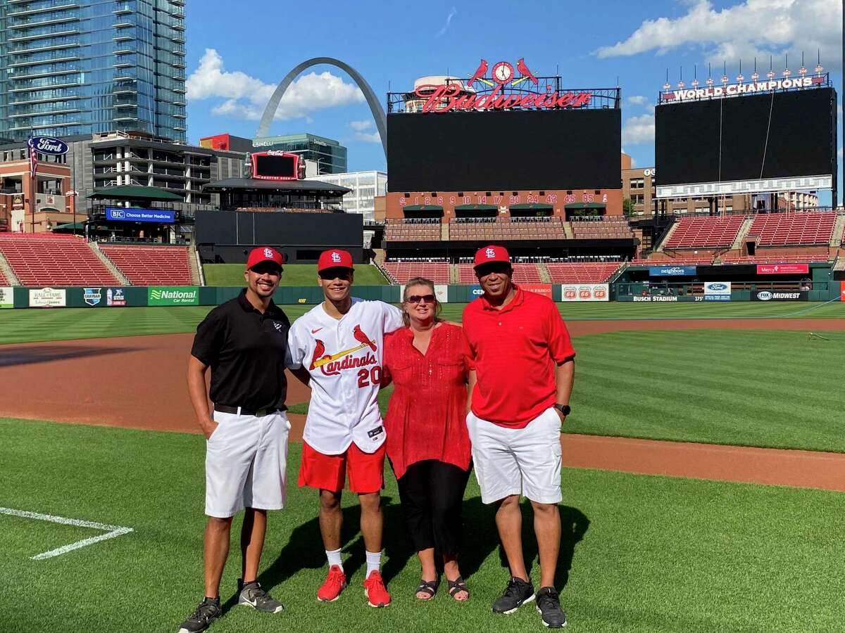 Masyn Winn offically signed his major league contract with the St. Louis Cardinals.