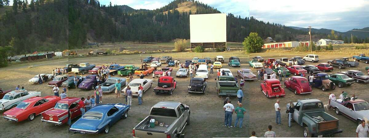The Auto-Vue Drive-In Theatre is a single screen drive-in movie theater located in Colville, Washington which is located in the north eastern corner of the state. The Auto-Vue drive-in has been showing movies since opening way back in 1953. Open Friday-Sunday at 8:30 p.m., with shows beginning at dusk.