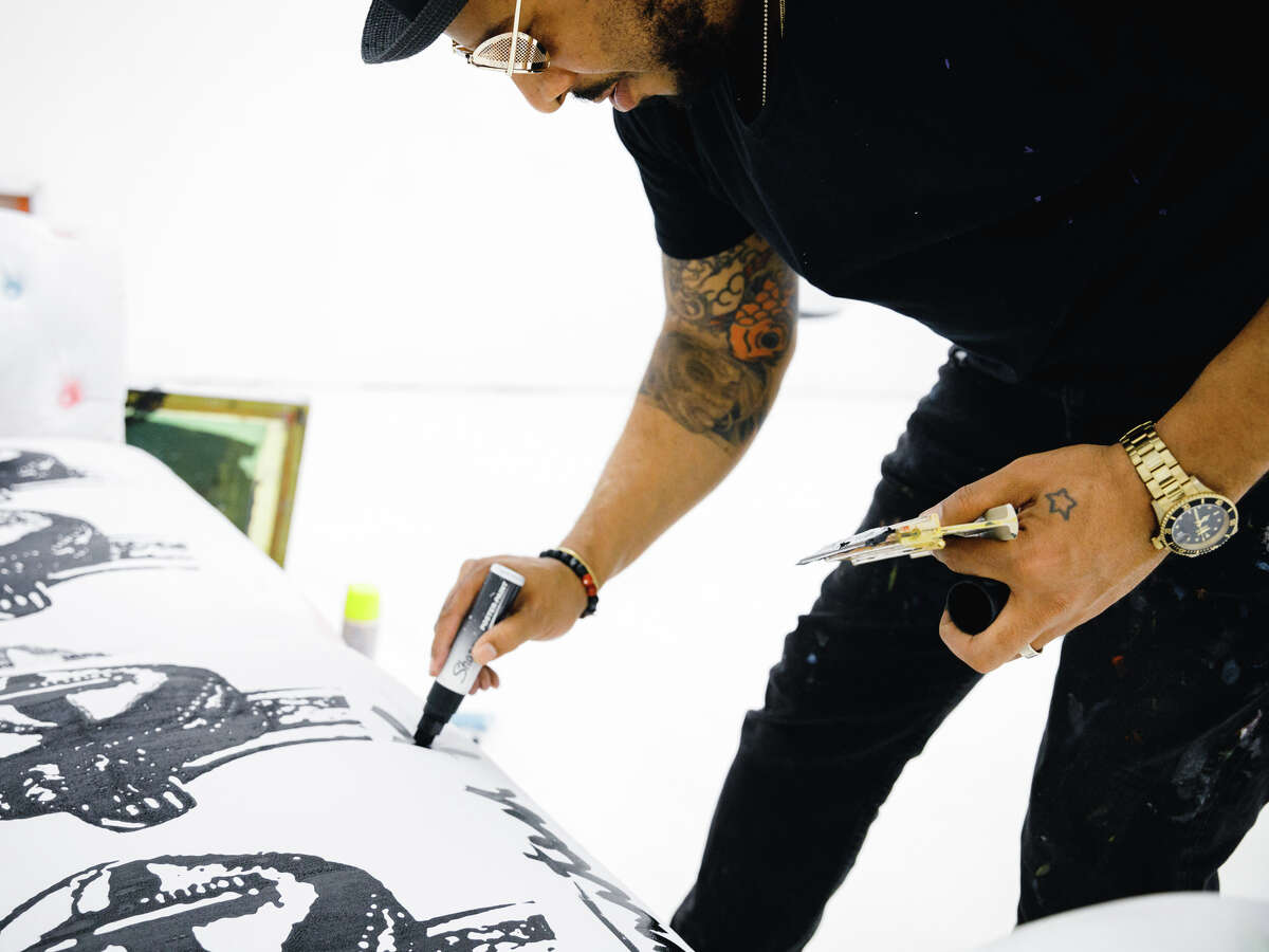 Houston visual artist, Robert Hodge, envisioned his collaborative Houston mural project called,