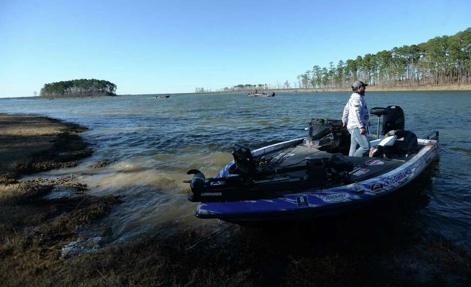 Pro bass fishermen make their way to shore at Lake Sam Rayburn for Friday's weigh-in during the recent tournament at the site. Photo taken Friday, Jan. 24, 2020 Kim Brent/The Enterprise Photo: Kim Brent / The Enterprise / BEN