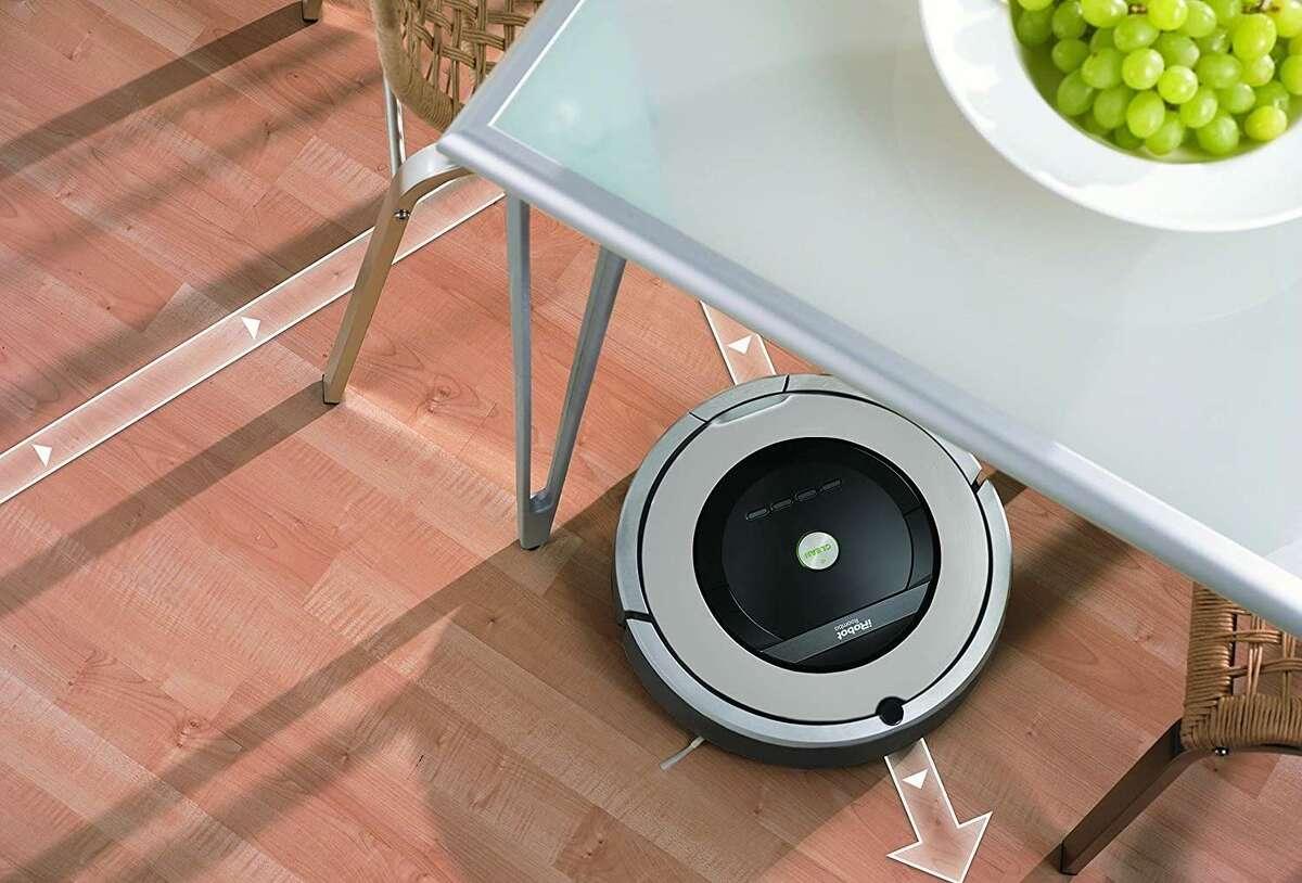 (Renewed) iRobot Roomba 860 Robotic Vacuum, $80 off on Amazon