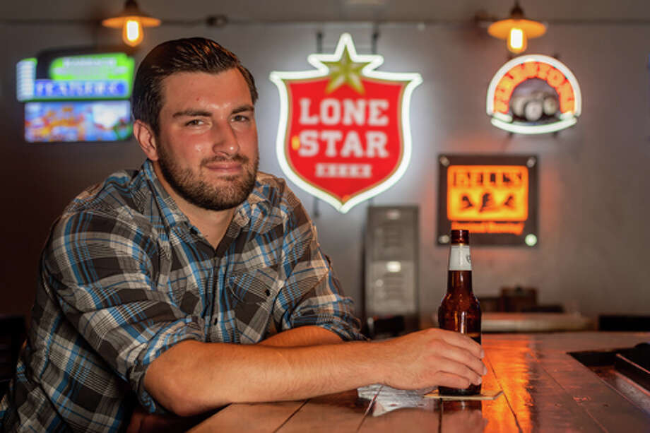 Casey Chestnut sits at the bar at Madison's on Dowlen Road in Beaumont on June 23, 2020. Fran Ruchalski/The Enterprise Photo: Fran Ruchalski/The Enterprise / © 2020 The Beaumont Enterprise