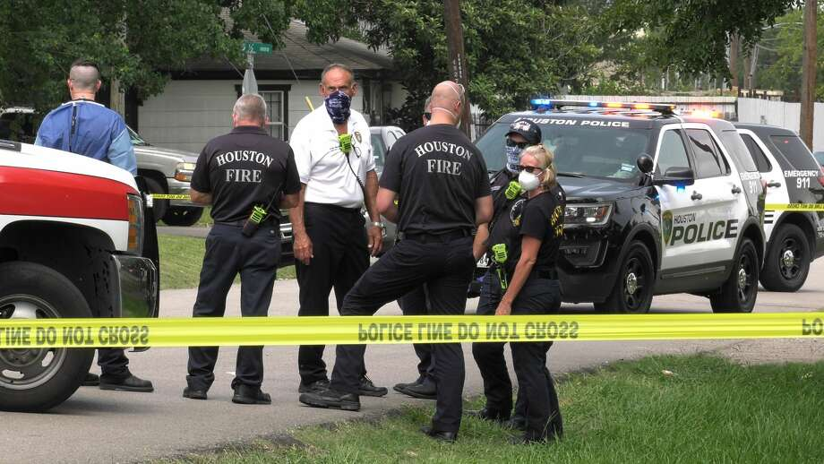 One man was killed and another wounded Thursday after a shooting in Independence Heights, police said. Photo: Jay R. Jordan