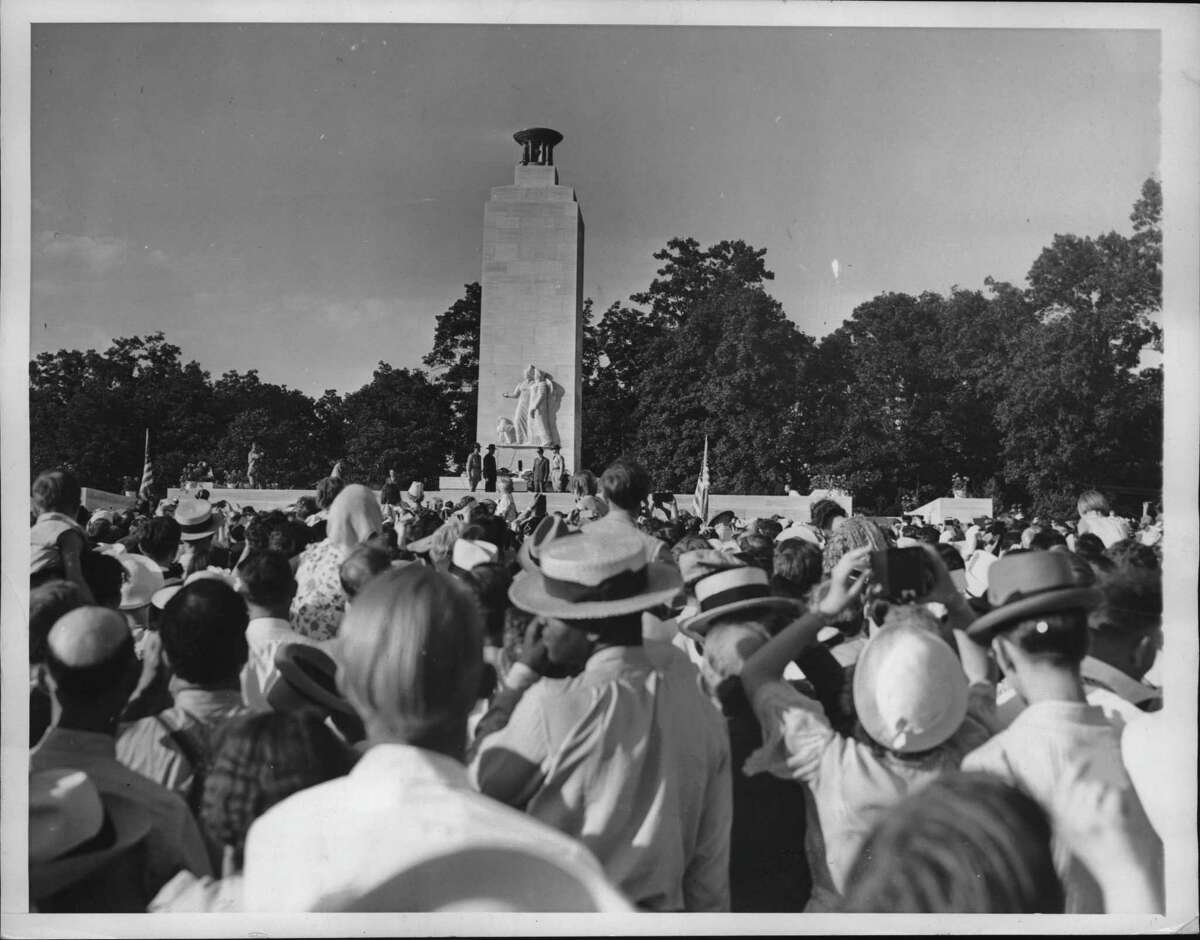 Pennsylvania - Part of the throng which heard President Roosevelt speaking July 3 at the dedication of a peace monument on the Gettysburg battlefield, at a reunion of veterans of the Civil War observing the 75th anniversary of the battle of Gettysburg. July 04, 1938 (Times Union Archive)