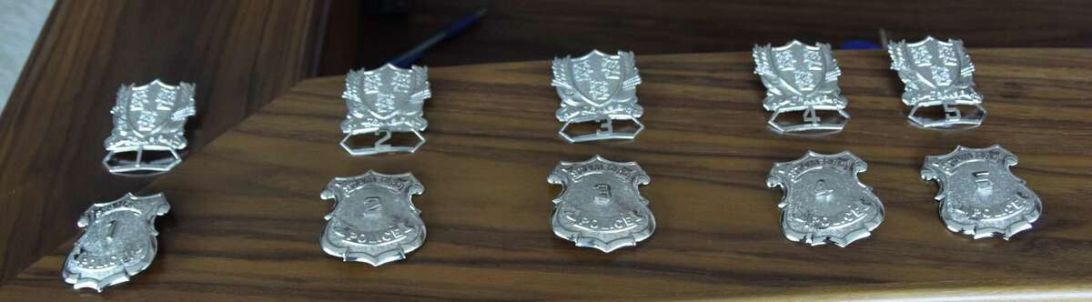 The first five police badges were awarded to the longest-serving patrol officers during a special ceremony held at police headquarters on Monday.