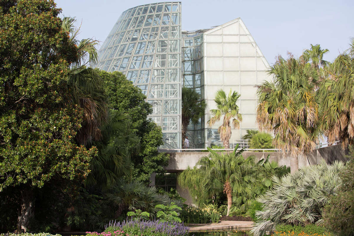 The San Antonio Botanical Garden is thanking San Antonio teachers, school administration and support staff for their hard work this year by offering them free admission next week.
