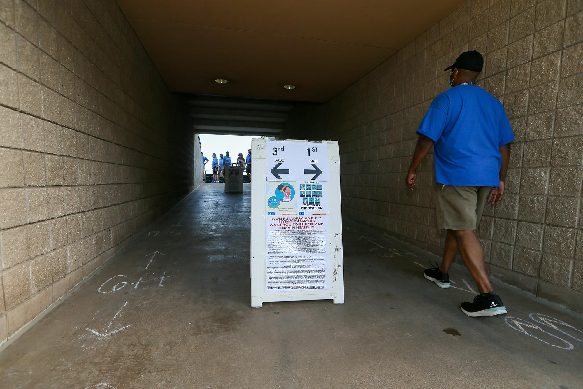 Flying Chanclas' home opener marks baseball's return to Wolff Stadium