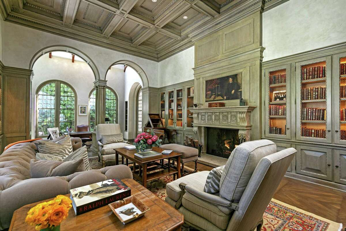 The estate in Los Angeles' Holmby Hills neighborhood, listed for $58.75 million, was the longtime residence of W. Howard Lester, the late chairman and CEO of Williams-Sonoma. Designed by architect Robert Sinclair, the home boasts such worldly details as Venetian plaster walls and colonnades. The chef's kitchen is topped by a brick barrel ceiling. (Jim Bartsch/TNS)