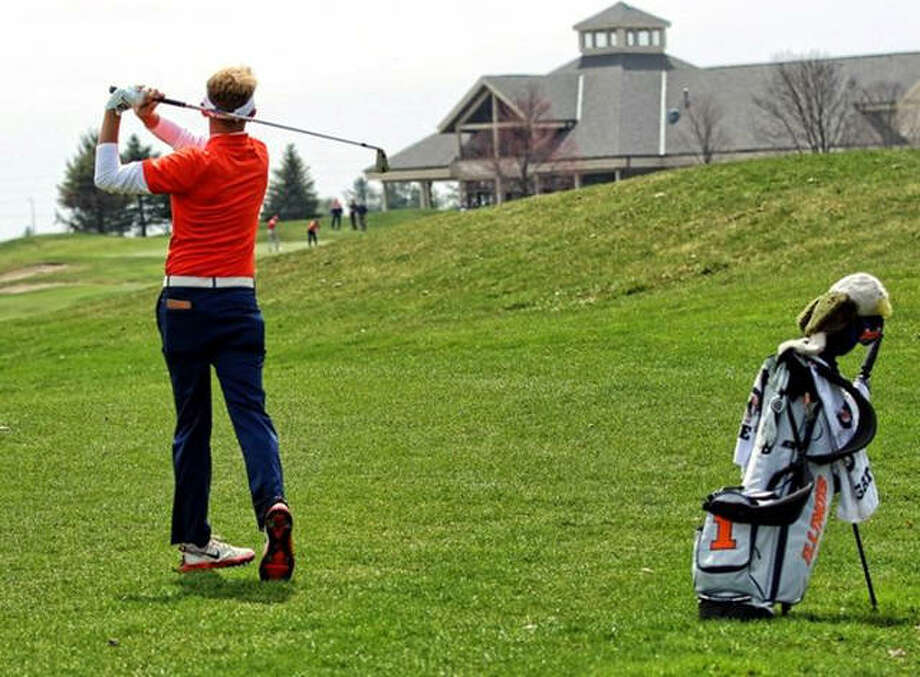 A University of Illinois golfer watches his ball fly through the air during a 2018 match against Bradley at Stone Creek Golf Course. Photo: Illinois Athletics