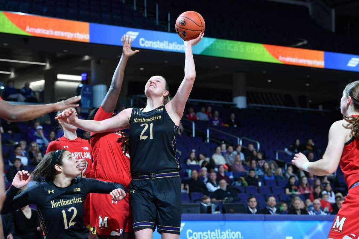 Abbie Wolf, a 2016 Greenwich High School graduate, who played basketball for the Cardinals and Northwestern University, recently signed a contract to play at the professional level in Spain. She signed to play for Club Deportivo Zamarat, which is located in Zamora, Spain.