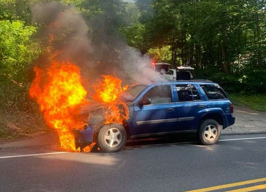 Scene of the vehicle fire on Old Waterbury Road in Southbury, Conn., July 2, 2020. Photo: Southbury Fire Department