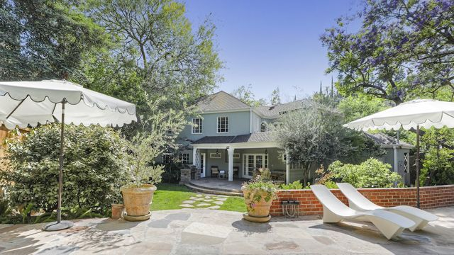 Former Home of Red Hot Chili Peppers' Flea Is Available for $3.49M - The Middletown Press