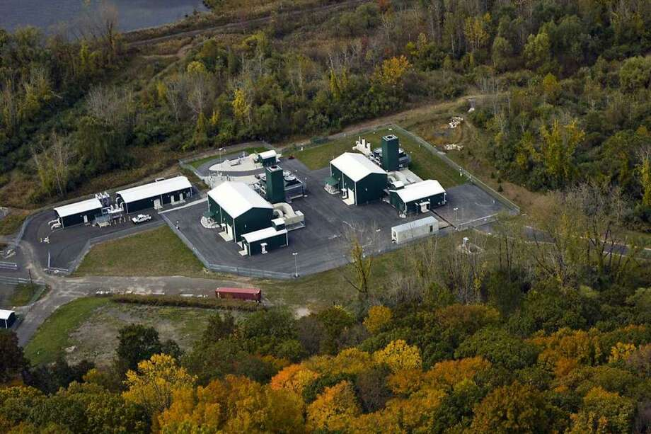 A natural gas compressor station in Brookfield, Conn., part of the Iroquois Gas Transmission system in which Berkshire Hathaway is acquiring a 50 percent stake from Dominion Energy. Photo: File Press Photo