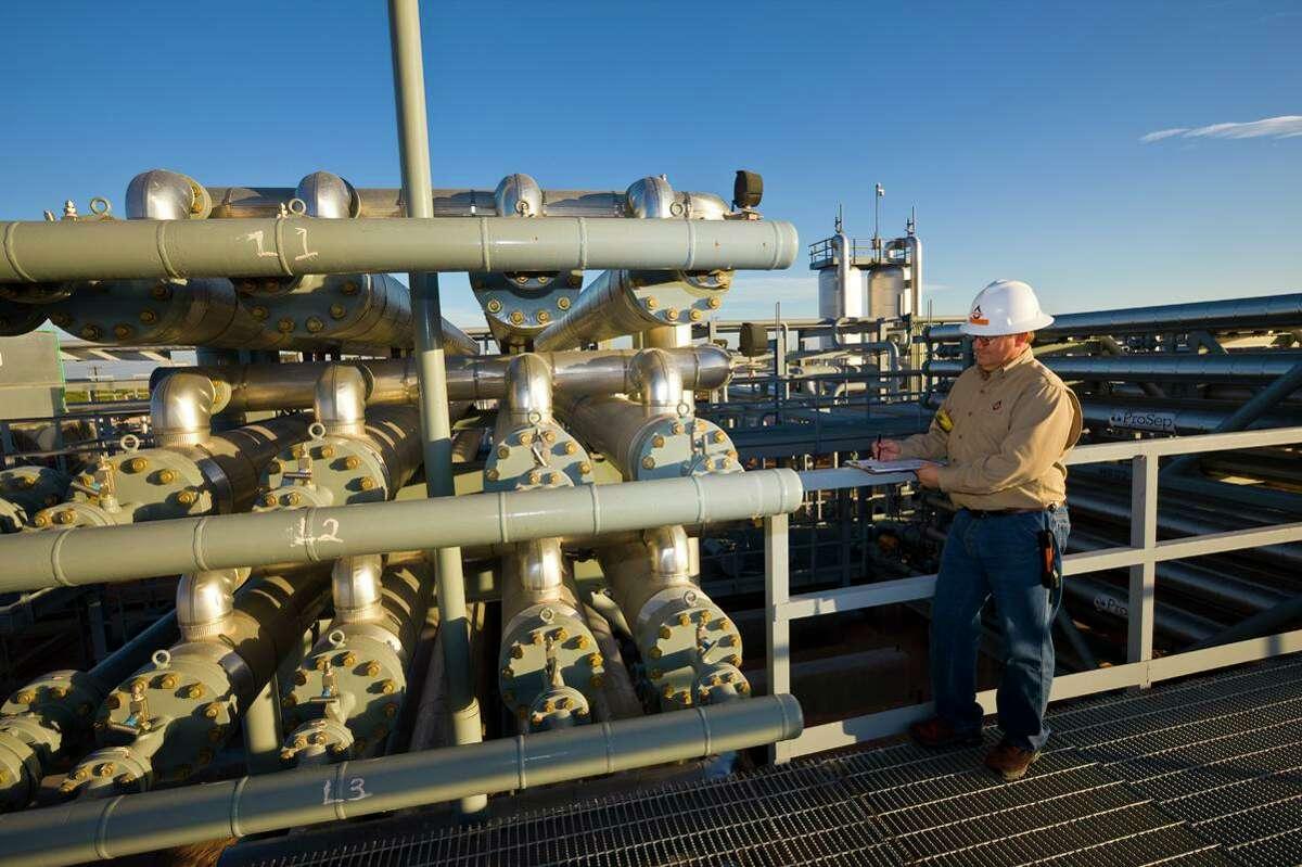 Whiting Petroleum Corp., North Ward Estes field, Wickett, Texas. Dennis Taylor.