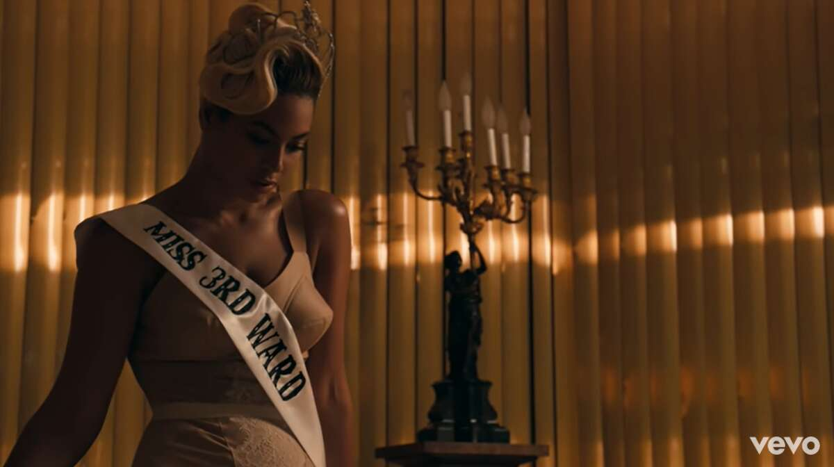 Pretty HurtsAlbum: BEYONCÉReleased: 2013 [Intro: Harvey Keitel & Beyoncé]Miss Third Ward, your first question:What is your aspiration in life?Oh, well my aspiration in life would be... to be happy