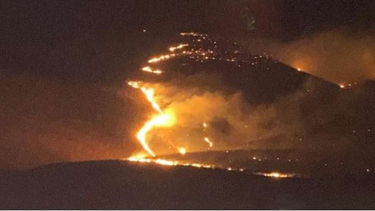 Fire burns in Saddle Mountain area in Eastern Washington.
