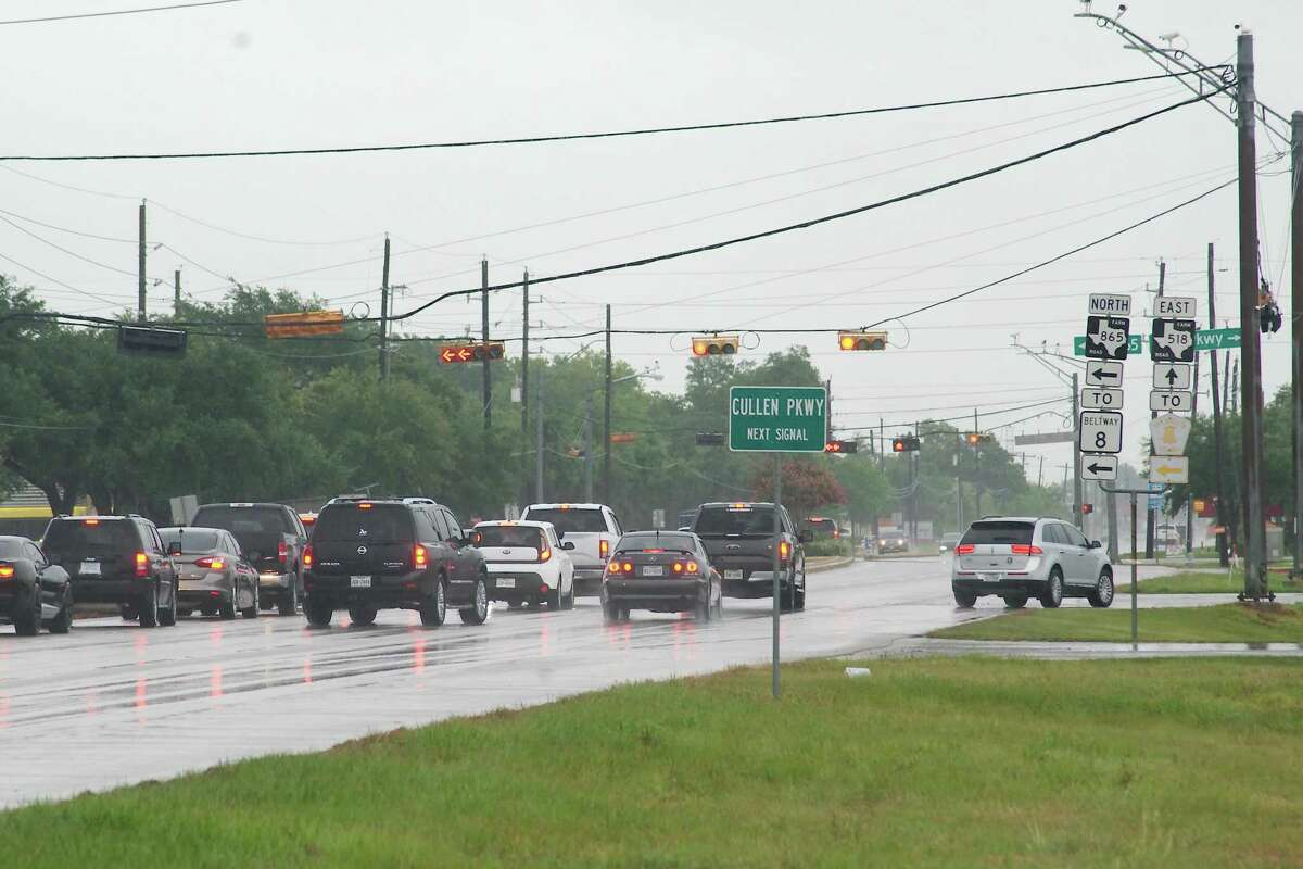 Traffic backs up at the intersection of FM 518 and Cullen Road in Pearland. The Texas Department of Transportation has a plan that would add lanes along the road between Texas 288 and the intersection of Halbert/McLean and Walnut.