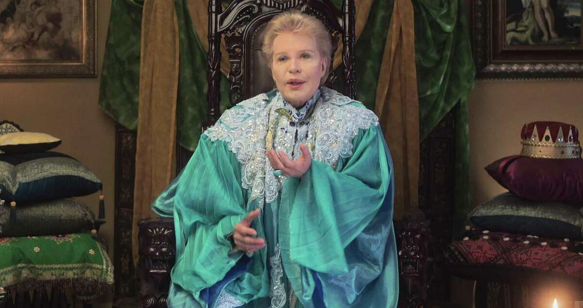Every day for decades, Walter Mercado - the iconic, gender non-conforming astrologer - mesmerized 120 million Latino viewers with his extravagance and positivity. 'Mucho, Mucho Amor' explores his legendary life.