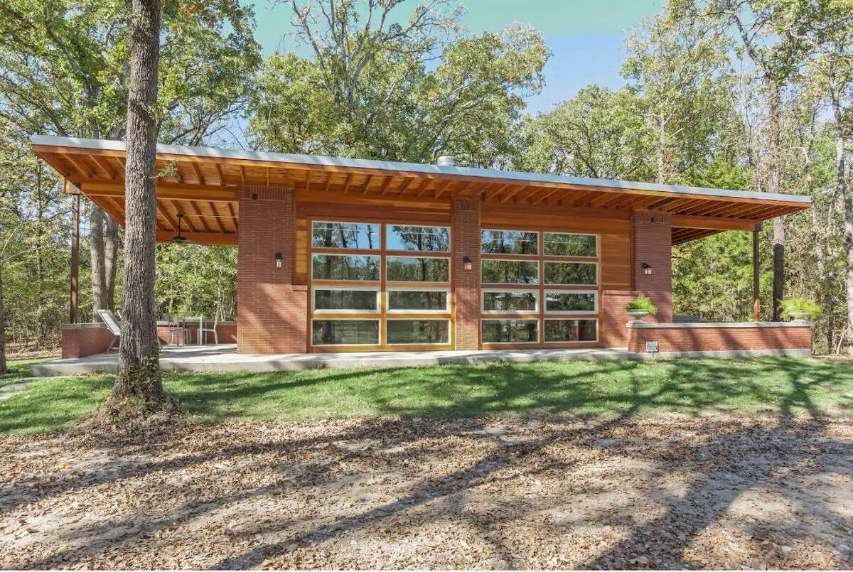 This modern architectural gem located in Royse City is a one-of-kind minimalist home. It's perfect for an escape from the city.