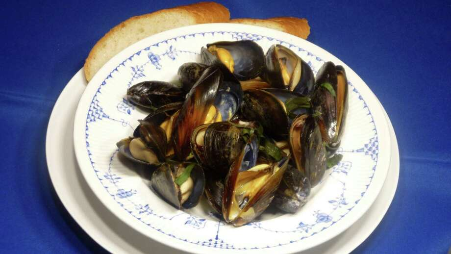 White Wine Steamed Mussels are a meal all on their own. Photo: Linda Gassenheimer, HO / TNS / TNS