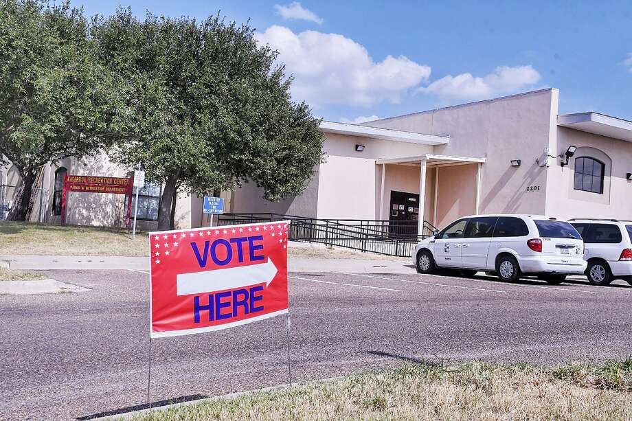 Residents of south Laredo can cast their votes for the early voting in the runoff races at the Cigarroa Recreation Center located at 2201 Zacatecas Street. Photo: Cuate Santos / Laredo Morning Times / Laredo Morning Times