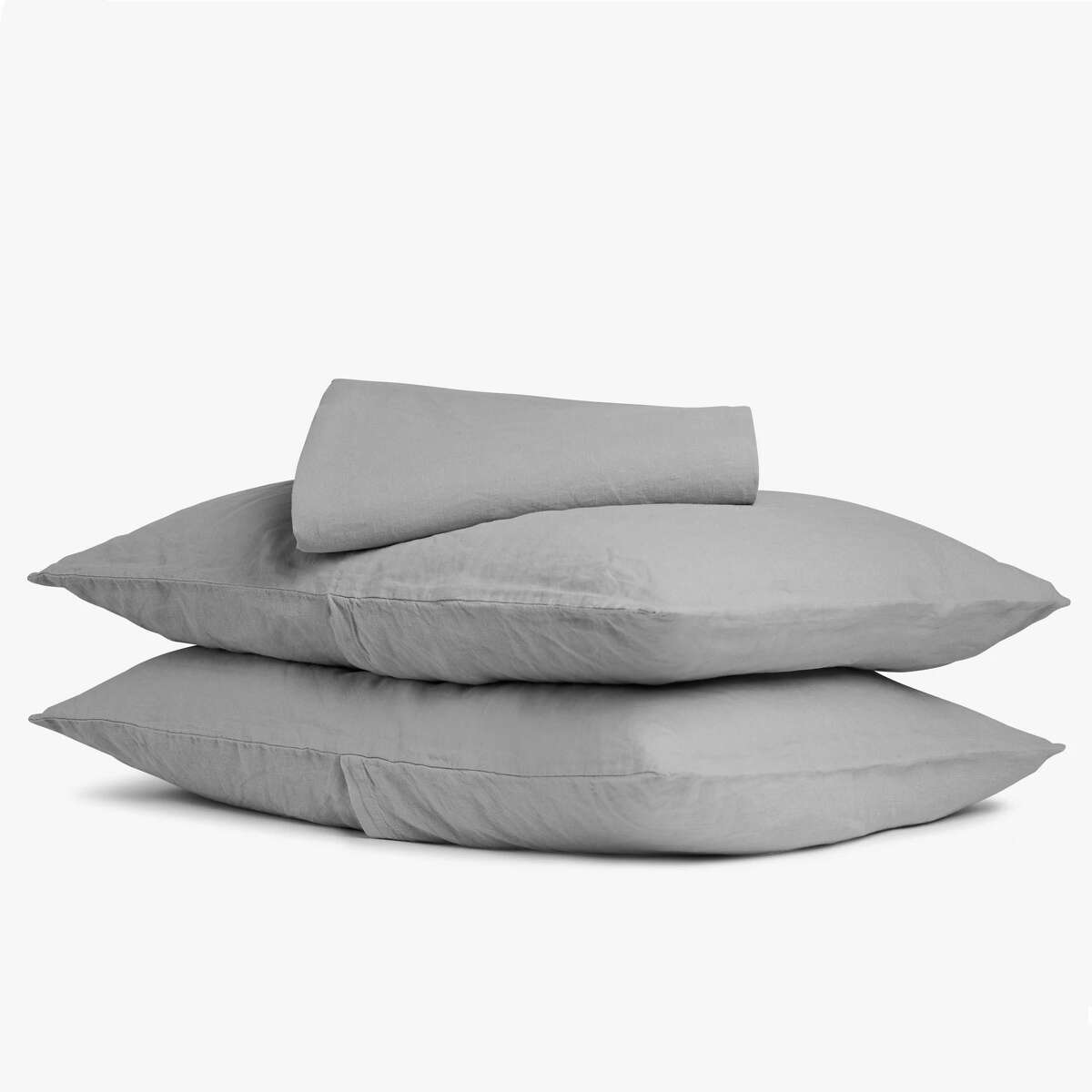 Linen Sheet Set: $169.00 Shop Now Parachute's popular linen sheets were the favorite among our tester panel: They earned the highest softness and overall feel scores compared to other linen fabrics. They also held up during our durability tests, but they did have a noticeably wrinkled appearance after washing (which is typical for linen). Keep in mind: This three-piece set has a fitted sheet and two pillowcases; you'll need to pay extra if you want to add the flat sheet.