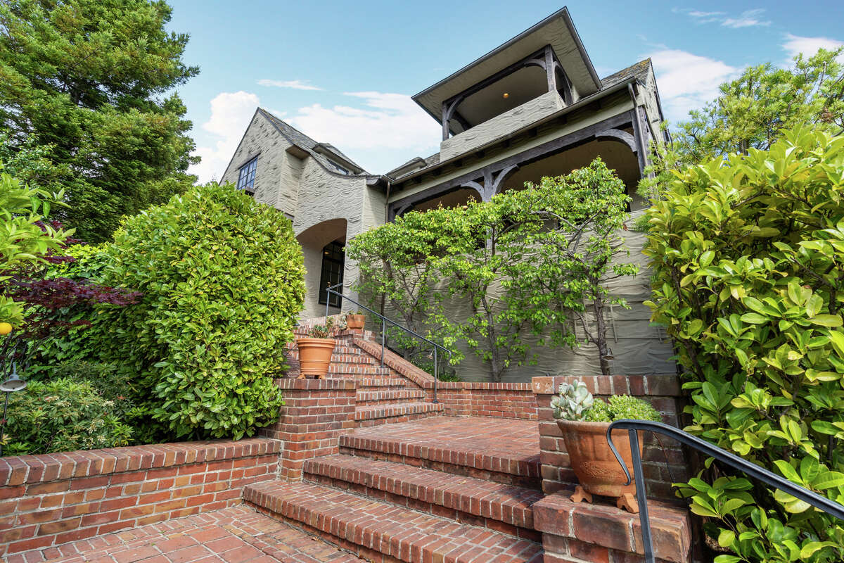 With rock history and gorgeous Rockridge views, this 6,911 square foot mansion asks $7.3 million.
