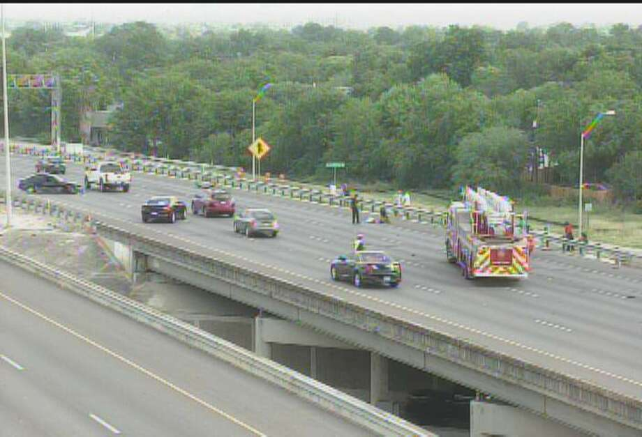 San Antonio police have closed down part of Interstate 37 near Fair Avenue after a multi-vehicle crash Thursday morning. Photo: TXDOT
