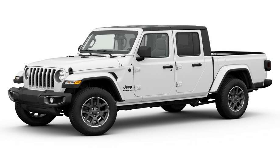 A black Freedom hardtop is standard on Gladiator Altitude while the dual top is an available option. Photo: Jeep /