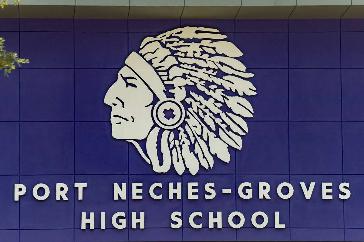 Port Neches-Groves ISD Port Neches-Groves, which ranked 82 in the state rankings, was rated number one for the Beaumont area.