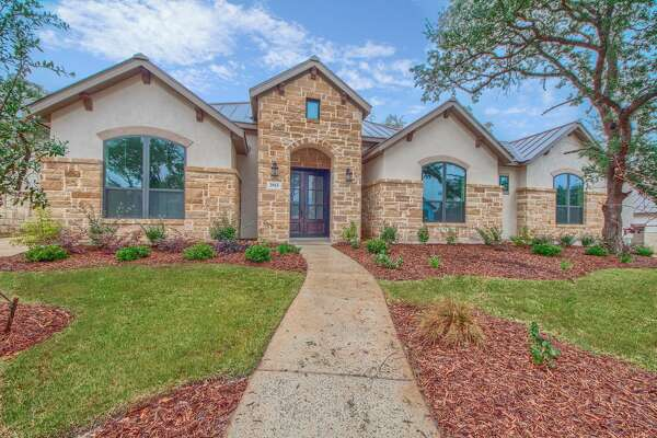 Palacios is the most exclusive neighborhood in Cibolo Canyons Call 210.807.3560 to schedule your private tour.