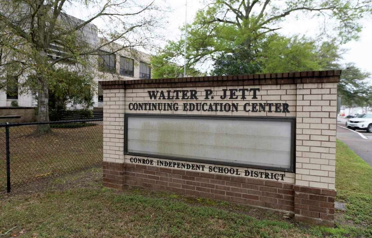 Conroe officials are in discussions with Conroe ISD administrators to purchase the Walter P. Jett Continuing Education Center at North Frazier Street and Lewis Street to turn the space into a performing arts center. The building was once the original Sam Houston Elementary built in 1937.