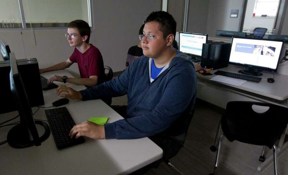 Willis High School student Alexis Carrizales works on the computer in his networking class on the first day of school at Willis ISD's new Career and Technology Center Building on Wednesday, Aug. 15, 2018, in Willis. Photo: Jason Fochtman, Staff Photographer / Staff Photographer / © 2018 Houston Chronicle