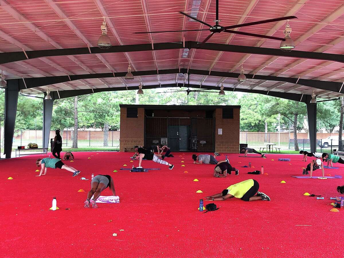 The outdoor airnasium pavilion has been transformed into an open-air studio to allow for socially distant group exercise classes. The Aire Fitness® portable fitness studios space features over 8,000 square feet of covered turf space and is outfitted with functional fitness equipment.