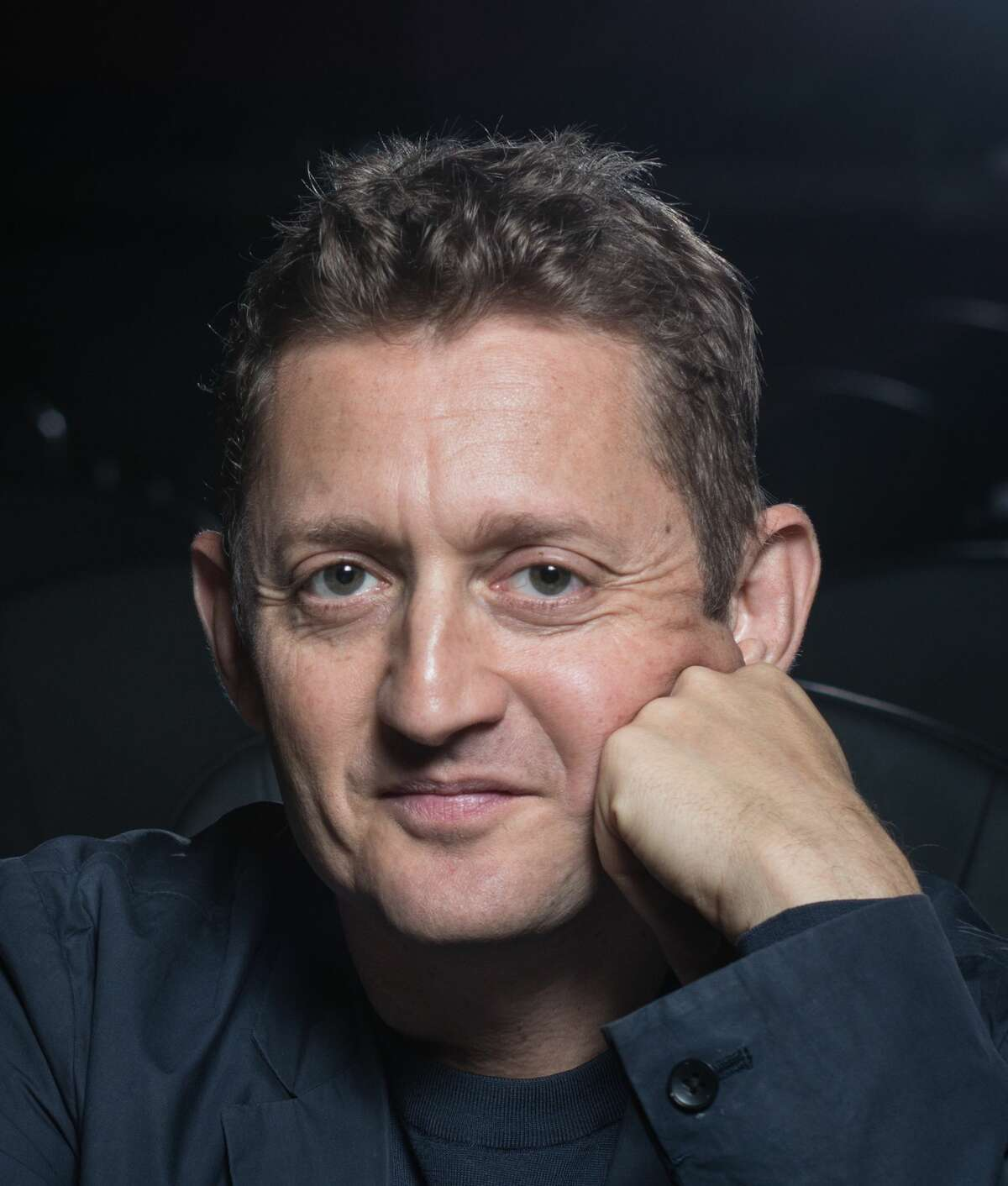"""Alex Winter directed the new HBO documentary """"Showbiz Kids,"""" premiering July 14, 2020."""